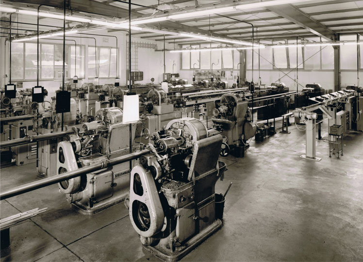 1970 - Turnery bar lathes at the second plant